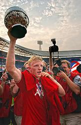 01-06-2003 NED: Amstelcup finale FC Utrecht - Feyenoord, Rotterdam<br /> FC Utrecht pakt de beker door Feyenoord met 4-1 te verslaan met Dirk Kuyt
