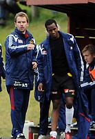 Fotball 2. divisjon Strindheim - Skeid 1-3,<br /> Arild Stavrum og Faysal Ahmed, Ahmed skadet like etter scoringen,<br /> Foto: Carl-Erik Eriksson, Digitalsport
