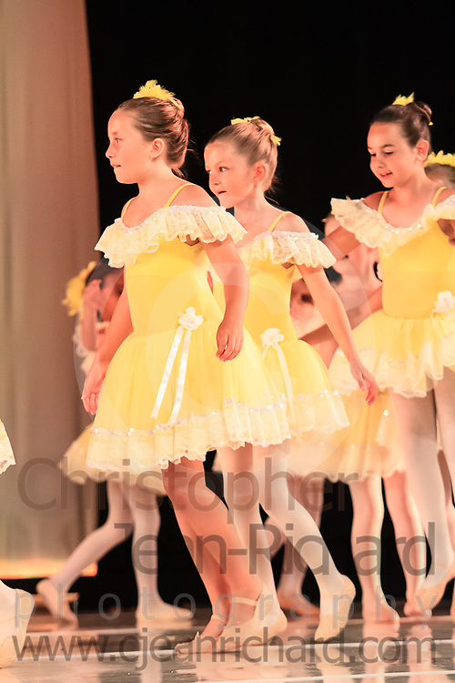 ART: 2015 | Colours of Passion: We've Got The Power | Friday Rehearsal --<br /> <br /> Chicken Doodle-Doo<br /> <br /> choreography: Gretchen Bernard-Newburger<br /> 7-8 Jahre<br /> <br /> Students and Instructors of Atelier Rainbow Tanzkunst (http://www.art-kunst.ch/) rehearse on the stage of the Schinzenhof for a series of performances in June, 2015.<br /> <br /> Schinzenhof, Alte Landstrasse 24 8810 Horgen Switzerland