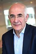 Frank Boeijen krijgt NPO Radio 5 Oeuvre Award in n de NPO Radio 5-uitzending .<br /> <br /> Op de foto:  Frits Spits