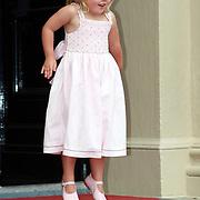 NLD/Apeldoorn/20070901 - Viering 40ste verjaardag Prins Willem Alexander, Willem Alexander, Amalia springt van blijdschap in de lucht