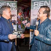 NLD/Amsterdam/20161103 - CD Presentatie Rene Froger, Najib Amhali overhandigd cd aan Rene Froger