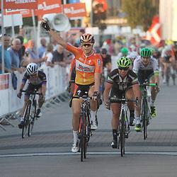 30-08-2016: Wielrennen: Ladies Tour: Tiel<br /> TIEL (NED) wielrennen<br /> De Boels Ladies Tour begon met een etappe door de Betuwe