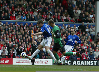 Photo: Andrew Unwin.<br />Liverpool v Everton. The Barclays Premiership. 25/03/2006.<br />Everton's James Beattie (L) rounds Liverpool's goalkeeper Jose Reina (R) but is ruled offside.