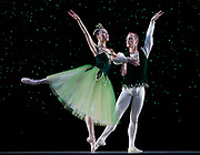 GASTON DE CARDENAS/EL NUEVO HERALD -- MIAMI -- Haiyan Wu and Jeremy Cox dancers from the Miami City Ballet during a rehearsal of Emeralds part of the Ballet Jewels