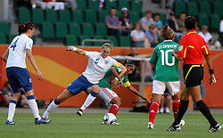 27.06.2011, Arena im Allerpark Wolfsburg , Wolfsburg ,  GER, FIFA Women Worldcup 2011, Gruppe B ,   Mexico (MEX) vs. England (ENG). im Bild Maribel Dominguez  (MEX) vs Faye White  (ENG) during the FIFA Women Worldcup 2011, Pool B, Mexico vs England on 2011/06/26, Arena im Allerpark , Wolfsburg, Germany.  .EXPA Pictures © 2011, PhotoCredit: EXPA/ nph/  Hessland       ****** out of GER / SWE / CRO  / BEL ******