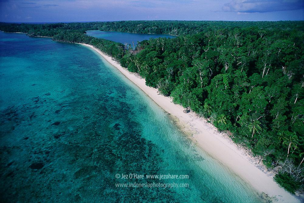 Ngiur Bloat Beach & Lagoon, Kei Kecil, South East Maluku, Indonesia.