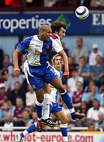 Fotball<br /> England 2005/2006<br /> Foto: SBI/Digitalsport<br /> NORWAY ONLY<br /> <br /> West Ham Utd v Blackburn Rovers<br /> Barclaycard Premiership.<br /> 13/08/2005.<br /> <br /> Blackburns Steven Reid and West Ham's Christian Dailly go up for an aerial ball