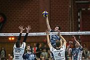 Volleyball: 1. Bundesliga, SVG Lueneburg - VSG Coburg / Grub, Lueneburg, 10.02.2016<br /> Michel Schlien (Lüneburg, m.)<br /> © Torsten Helmke
