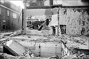 Nederland, Nijmegen, 23-2-1981<br /> Nijmegen ten tijde van de zgn. Piersonstraat, Zeigelhof ontruiming.<br /> Na de ontruiming wordt meteen met de sloop van de kraakpanden aan de Piersonstraat begonnen.<br /> Foto: Flip Franssen/Hollandse Hoogte