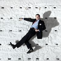 """Nederland, Den Haag, 07-12-2012.<br /> Mark Rietman in het decor van de voorsteeling """"De Prooi"""" van het Nationale Toneel in de Koninklijke Schouwburg in Den Haag.<br /> Foto : Klaas Jan van der Weij"""