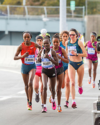 NYC Marathon, lead pack crosses into the Bronx approaching mile 20