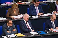DEU, Deutschland, Germany, Berlin, 21.11.2018: Bundesinnenminister Horst Seehofer (CSU) während einer Plenarsitzung im Deutschen Bundestag.