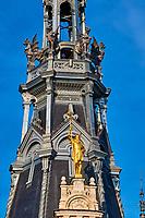France, Bourgogne-Franche-Comté, Yonne (89), Sens, statue de Brennus sur l' Hôtel-de-ville // France, Burgundy, Yonne, Sens, City Hall