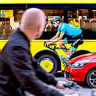 Busreklamer med cykelrytteren Jakob Fuglsang. Reklame for dagbladet B.T.s Tour de France-dækning på linie 2A i København.