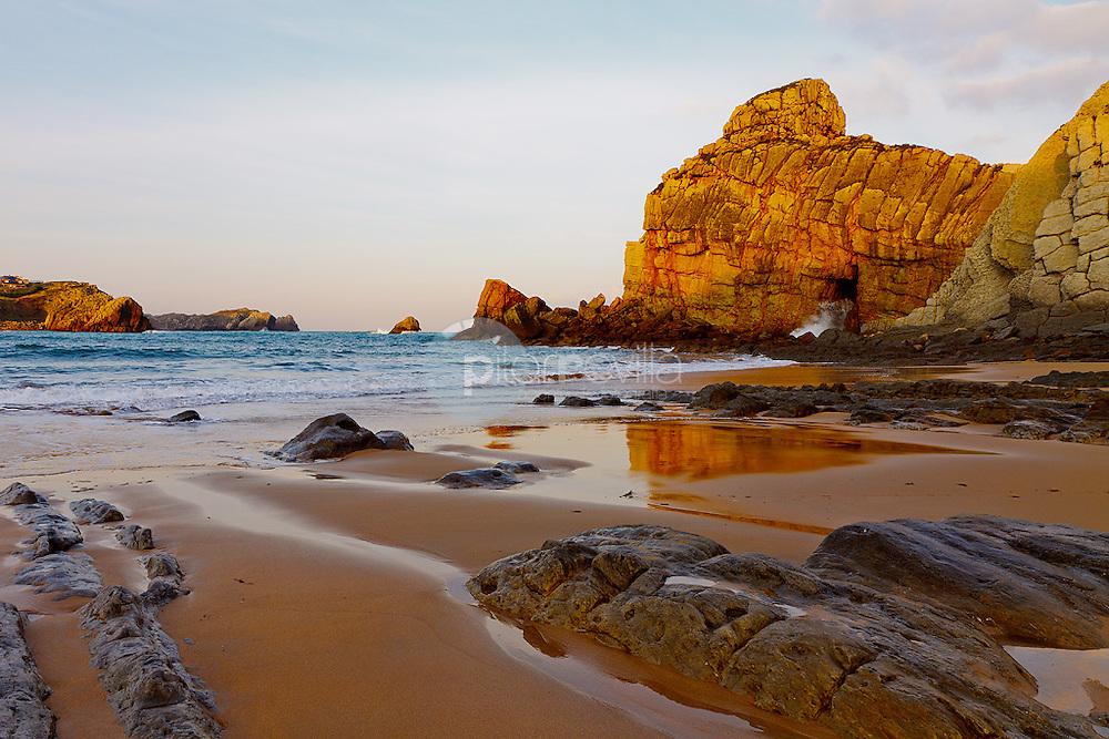 Playa de Portio. Pielagos. Cantabria. España. Europa ©Country Session / PILAR REVILLA