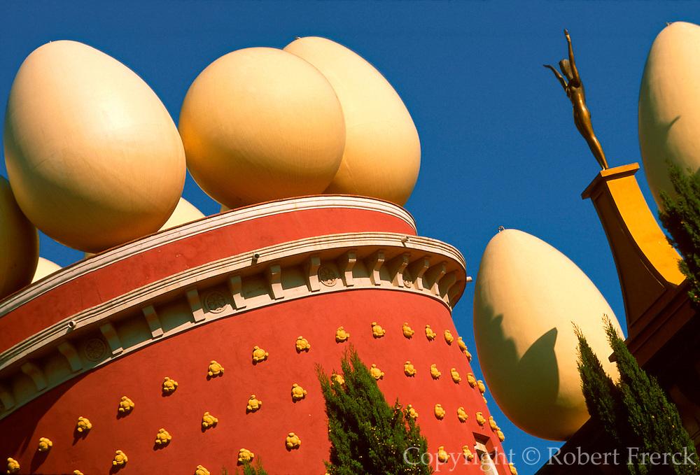 SPAIN, COSTA BRAVA, FIGUERES Surrealist roof-top at Teatro-Museo Dali