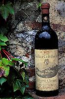 Italie - Toscane - Province de Florence - region du Chianti - Cave à vin à Badia a Coltibuono. Bouteille. // Italy. Tuscany. Chianti area. Bottle of Wine.