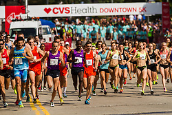 elite men and women converge after starting in different corrals