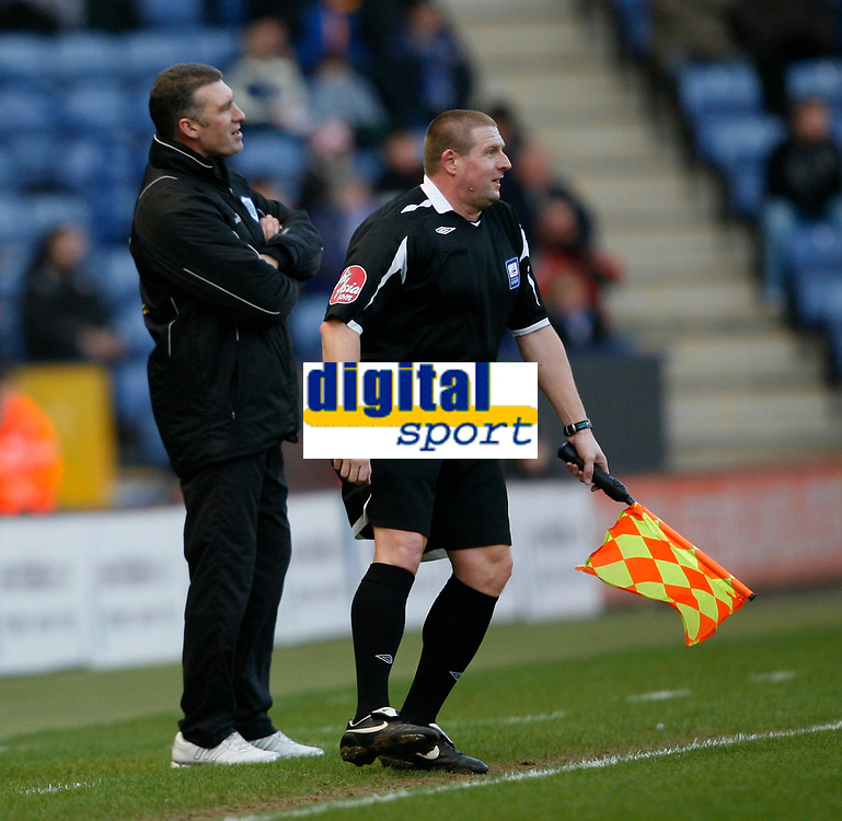 Photo: Steve Bond/Richard Lane Photography. Leicester City v Huddersfield Town. Coca Cola League One. 24/01/2009. Nigel Pearson disagrees with the linesman