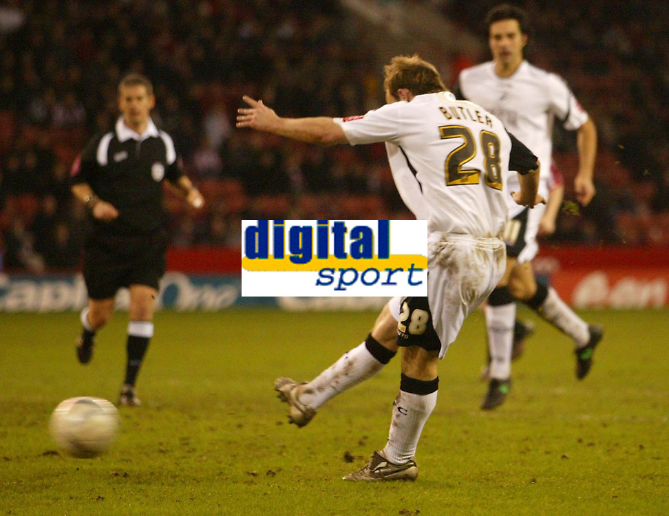 Photo: Aidan Ellis.<br /> Sheffield United v Swansea City. The FA Cup. 06/01/2007.<br /> Swansea's Thomas Butler scores the first goal