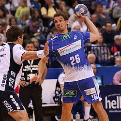 Hamburg, 24.05.2015, Sport, Handball, DKB Handball Bundesliga, HSV Handball - SG Flensburg-Handewitt : Thomas Mogensen (SG Flensburg-Handewitt, #10), Adrian Pfahl (HSV Handball, #26)<br /> <br /> Foto © P-I-X.org *** Foto ist honorarpflichtig! *** Auf Anfrage in hoeherer Qualitaet/Aufloesung. Belegexemplar erbeten. Veroeffentlichung ausschliesslich fuer journalistisch-publizistische Zwecke. For editorial use only.