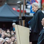 NLD/Amsterdam/20170504 - Nationale Herdenking 2017, burgemeester Eberhard van der Laan en dhr. Jos Coumans van het Nationaal Comtuee 4 en 5 Mei