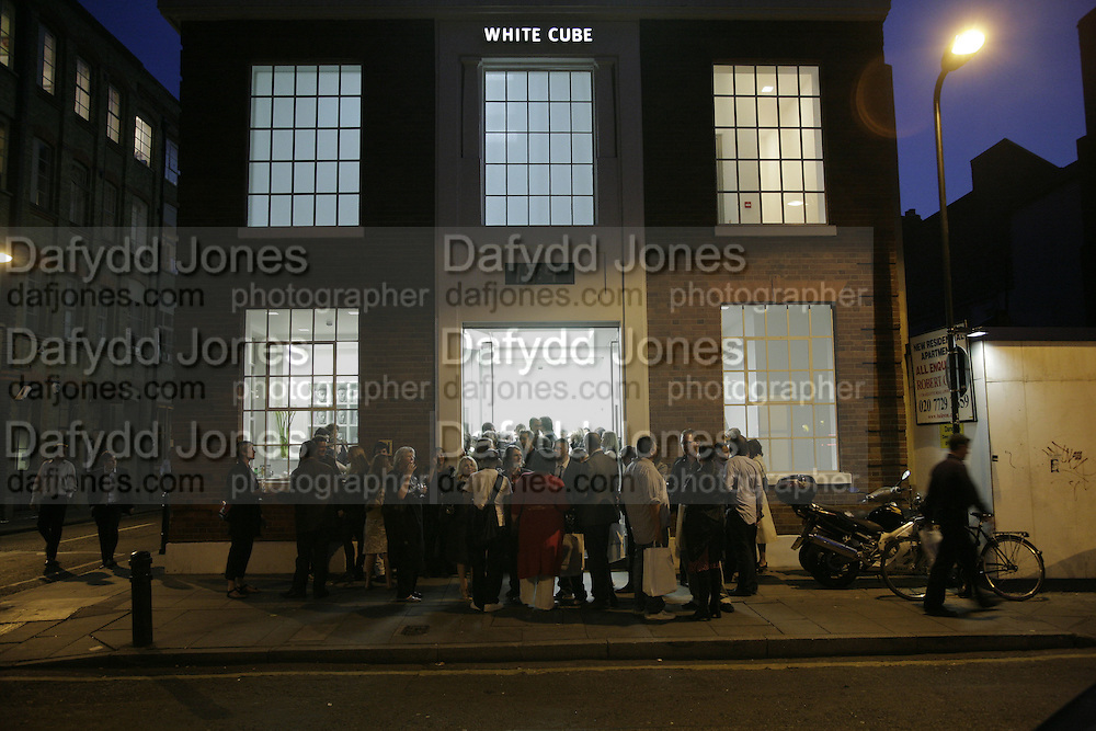 Johnnie Shand Kydd:  book launch party celebrate the publication of Crash.White Cube. Hoxton sq. London. 18 September 2006. ONE TIME USE ONLY - DO NOT ARCHIVE  © Copyright Photograph by Dafydd Jones 66 Stockwell Park Rd. London SW9 0DA Tel 020 7733 0108 www.dafjones.com
