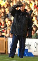 Photo: Paul Greenwood.<br />Port Vale v Swansea City. Coca Cola League 1. 18/11/2006. Port Vale's manager Martin Foyle