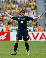 Photo: Glyn Thomas.<br />Brazil v Australia. Group F, FIFA World Cup 2006. 18/06/2006.<br /> Australia's Harry Kewell.