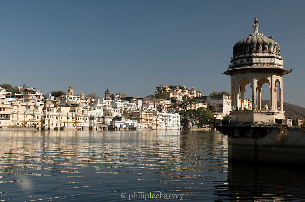 The City Palace and Lake Pichola at Udaiper, also known as the City of Lakes, Rajasthan, India
