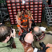 NLD/Amsterdam/20080518 - Opname strafschoppen EK Lingerie, fotografen verdringen zich om de nederlandse ploeg