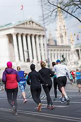 10.04.2016, Wien, AUT, Vienna City Marathon 2016, im Bild Läufer vor dem Parlament // during Vienna City Marathon 2016, Vienna, Austria on 2016/04/10. EXPA Pictures © 2016, PhotoCredit: EXPA/ Michael Gruber