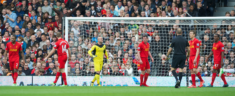 LONDON, ENGLAND - Sunday, May 12, 2013: Liverpool's goalkeeper Jose Reina looks dejected as Fulham score the opening goal during the Premiership match at Craven Cottage. (Pic by David Rawcliffe/Propaganda)