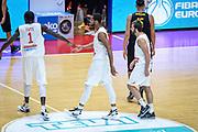 DESCRIZIONE : Varese FIBA Eurocup 2015-16 Openjobmetis Varese Telenet Ostevia Ostende<br /> GIOCATORE : Brandon Davies<br /> CATEGORIA : Fair Play <br /> SQUADRA : Openjobmetis Varese<br /> EVENTO : FIBA Eurocup 2015-16<br /> GARA : Openjobmetis Varese - Telenet Ostevia Ostende<br /> DATA : 28/10/2015<br /> SPORT : Pallacanestro<br /> AUTORE : Agenzia Ciamillo-Castoria/M.Ozbot<br /> Galleria : FIBA Eurocup 2015-16 <br /> Fotonotizia: Varese FIBA Eurocup 2015-16 Openjobmetis Varese - Telenet Ostevia Ostende