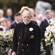 Dodenherdenking 1999 Baarn, Pr. Bernhard legt een krans