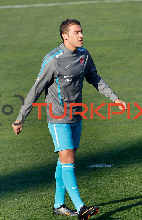 Turkey's national soccer team players Cenk TOSUN during their a training session in Istanbul March 25, 2011. Turkey will face Austria in the UEFA Euro 2012 qualification soccer match on 29 March 2011.  Photo by TURKPIX