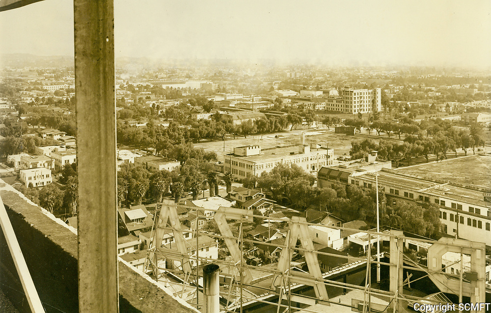 1929 Looking southeast from Hollywood Blvd. and Vine St.