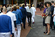 Koningin Maxima opent het nieuwe Isala ziekenhuis in Zwolle.Het nieuwe gebouw, ontworpen door Alberts & Van Huut, is uitgerust voor complexe medische zorg.<br /> <br /> Queen Maxima at the opening of the new Isala hospital in Zwolle.The new building, designed by Alberts & Van Huut, is equipped for complex medical care. <br /> <br /> Op de foto / On the photo:  Koningin Maxima verricht de officiele opening / Queen Maxima performed the official opening