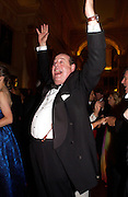 Hon Nicholas Soames, Ball at Blenheim Palace in aid of the Red Cross, Woodstock, 26 June 2004. SUPPLIED FOR ONE-TIME USE ONLY-DO NOT ARCHIVE. © Copyright Photograph by Dafydd Jones 66 Stockwell Park Rd. London SW9 0DA Tel 020 7733 0108 www.dafjones.com