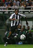 Photo: Andrew Unwin.<br /> Newcastle United v Levadia Tallinn. UEFA Cup. 28/09/2006.<br /> Newcastle's Charles N'Zogbia.