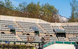 THEMENBILD - der gesperrte Center Court des Generali Open Kitzbuehel. Wegen des Coronavirus wurde der Spielbetrieb der ATP World Tour eingestellt. Wann Tennisspiele wieder stattfinden können ist aktuell noch unklar, aufgenommen am 15. April 2020, Kitzbuehel, Oesterreich // the closed Center Court of the Generali Open Kitzbuehel. Due to the Corona crisis, the ATP World Tour was suspended. It is not yet clear when tennis matches will take place at Kitzbuehel, Austria on 2020/04/15. EXPA Pictures © 2020, PhotoCredit: EXPA/ Stefan Adelsberger