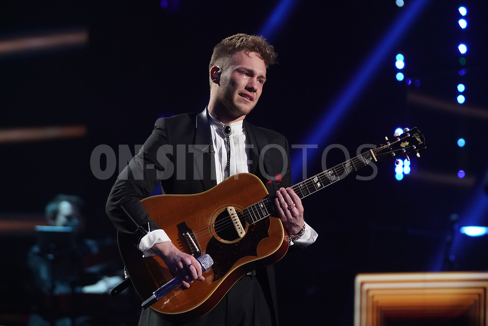 """AMERICAN IDOL – """"414 (Oscar Nominated Songs)"""" – The top 12 contestants perform Oscar®-nominated songs in hopes of securing America's vote into the top nine on an all-new episode of """"American Idol,"""" airing live coast-to-coast on SUNDAY, APRIL 18 (8:00-10:00 p.m. EDT), on ABC. (ABC/Eric McCandless)<br /> HUNTER METTS"""