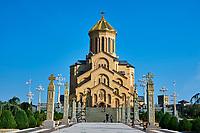 Georgie, Caucase, Tbilissi, vieille ville, quartier d'Avlabari, Cathedrale de la Trinité, ou Tsminda Saméba // Georgia, Caucasus, Tbilisi, old city, holy Trinity cathedral