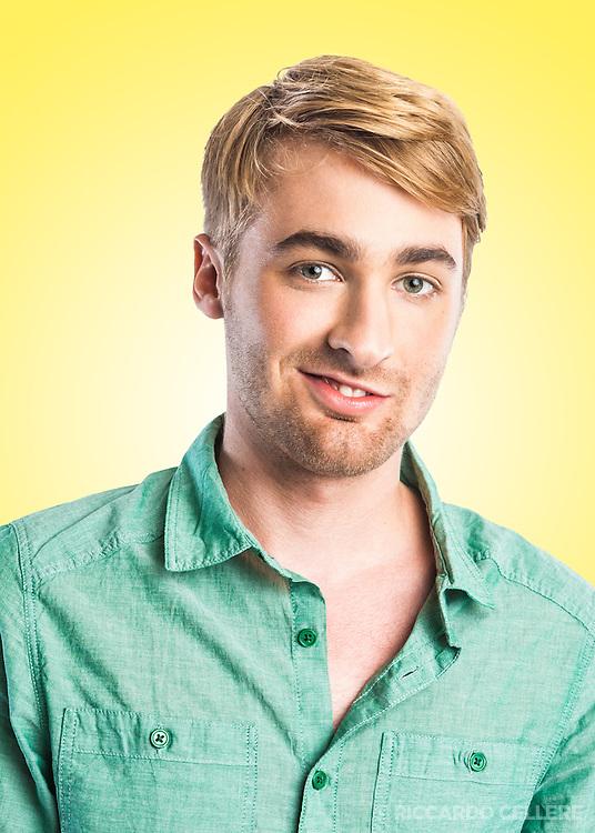 Portrait of contestant from the Canal Évasion television show, Course Évasion autour du monde 2011.