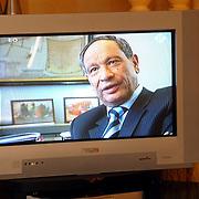 Burgemeester Jos Verdier op tv bij 2 Vandaag nav uitzetting asielzoekers door minister Verdonk