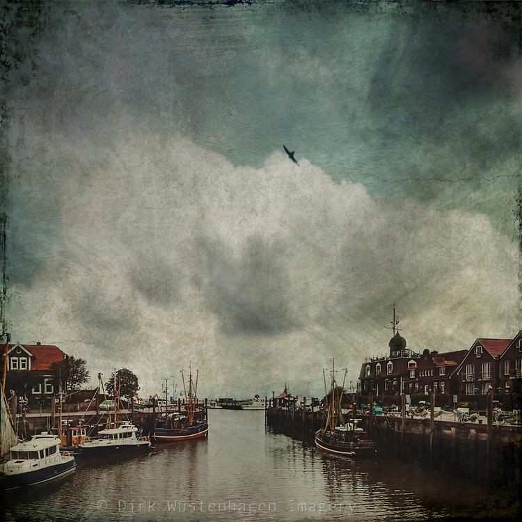 Hafen Neuharlingersiel - texturierte Fotografie<br /> Drucke: http://bit.ly/2qsvqlg