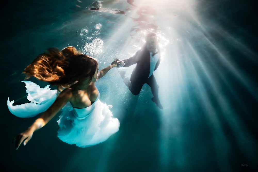 Follow Me into Darkness.<br /> Underwater Fashion Photoshoot with The Infinitee Agency.