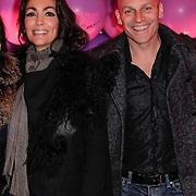 NLD/Amsterdam/20120330 - Emma Raising Fund Night, Suzanne Klemann en partner Minka Mooren, Monique Klemann en partner Jeroen den Hengt en vrienden