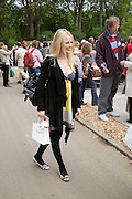 HANNAH SANDLING, Opening day of the Chelsea Flower Show. Royal Hospital Grounds. London. 19 May 2008 *** Local Caption *** -DO NOT ARCHIVE-© Copyright Photograph by Dafydd Jones. 248 Clapham Rd. London SW9 0PZ. Tel 0207 820 0771. www.dafjones.com.